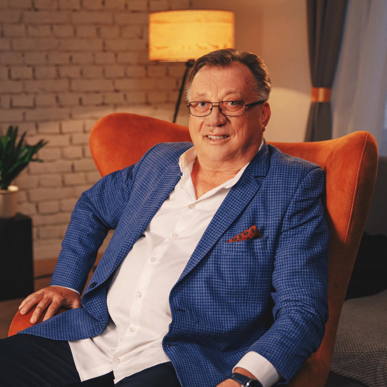 Halid Bešlić – 42 godine profesionalne karijere
