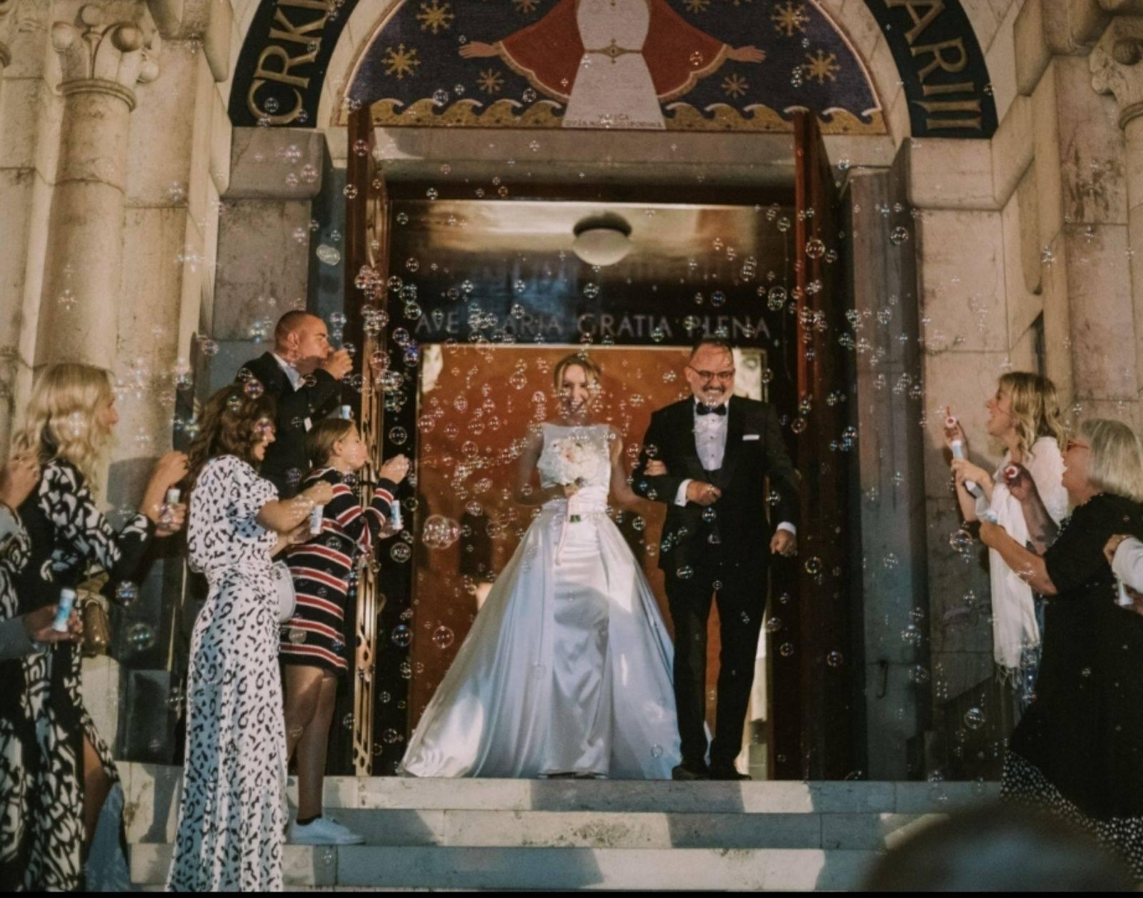 Toni Cetinski se nakon 7 godina braka vjenčao i u crkvi