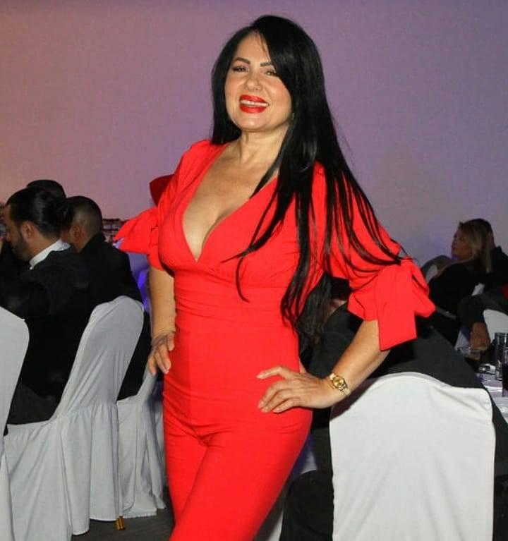 Zlata Petrović - Crveno joj dobro stoji