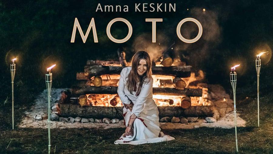 "Amna Keskin objavila spot za pjesmu ""Moto"""